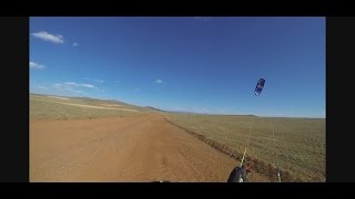 preview picture of video 'Kite buggy en los altos de Lidón (Teruel). Uncut'