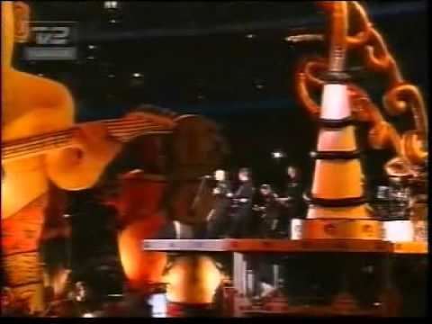 Midnight Oil - Beds are burning Live At Olympics 2000