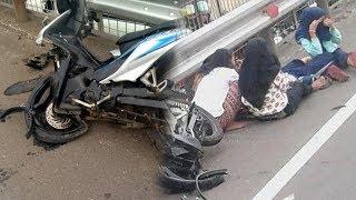 Naik Sepeda Motor di Jalan Tol Tomang, 5 Bocah Tertabrak Mobil hingga Kendaraan Ringsek