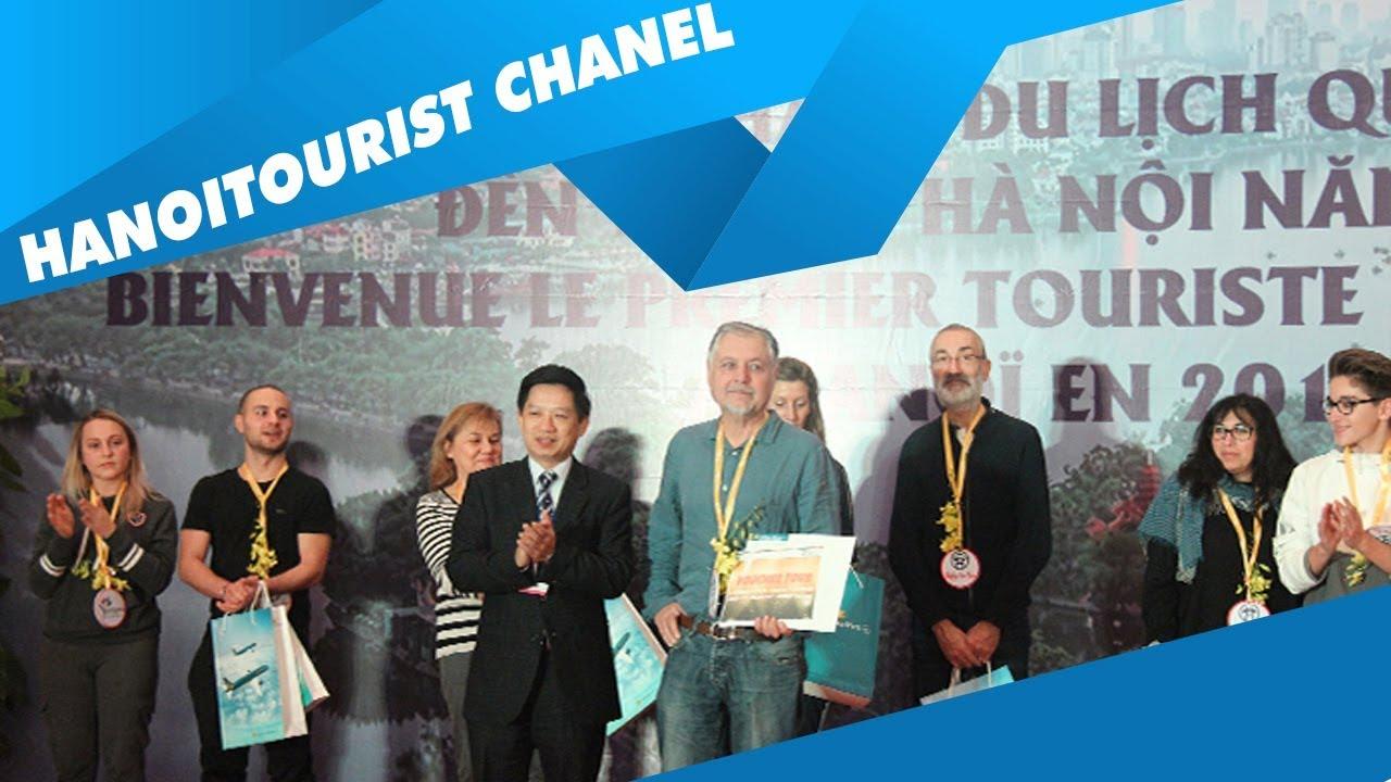 Hanoitourist đón du khách Quốc tế đầu tiên đến Hà Nội trong năm mới