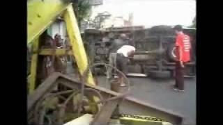 preview picture of video 'CIAMIS -  TABRAK LARI, TRUK FUSO VS AMBULANCE'