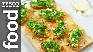 How to make pea and feta crostini