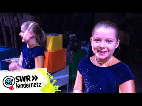 Katie wartet auf ihren Auftritt bei Holiday on Ice! | Dein großer Tag | SWR Kindernetz