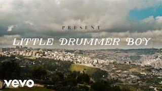 Jennifer Nettles Little Drummer Boy