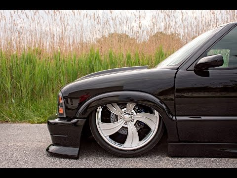 Bagged S-10 Mini Truck Gets New Wheels (Baller Status) -- Intro Wheels Twisted Vista II
