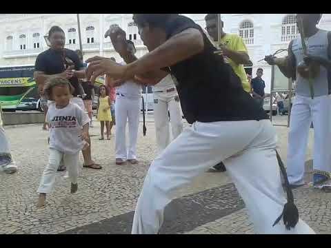 Arte banto capoeira roda  na praça Benedito leite centro histórico