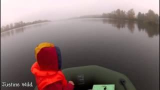 Как дети ловить щуку на кружки осенью