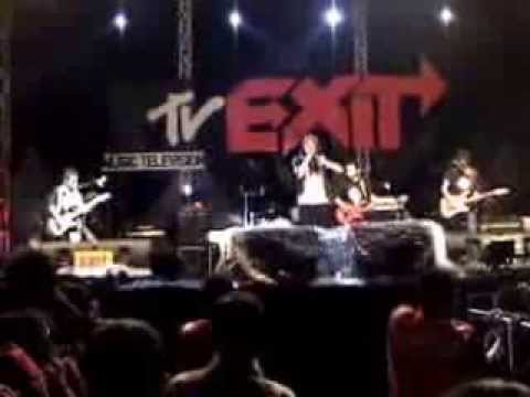 Fuddy Duddy live in MTV Exit