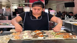 HUGE 28 INCH LONG QUESADILLAS | A MUST FOR FOODIES IN MEXICO CITY