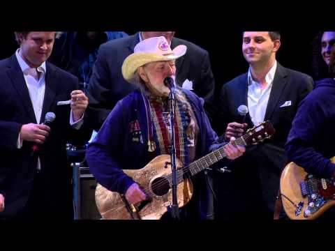 Willie Nelson - Roll Me Up and Smoke Me When I Die (Live at Farm Aid 2012)