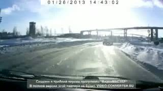 Russian T90 Tank crossing a road out of nowhere!