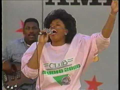 Vickie Winans & Marvin Winans (Ain't No Need To Worry)
