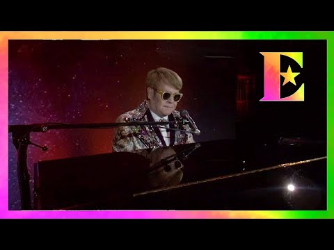 Elton John - Gotham Hall - Tiny Dancer (VR180)
