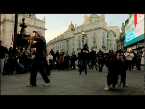 Lovelution Show ~ Piccadilly Circus, London TSR
