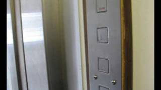 preview picture of video 'Old Pickerings lift at flats in sidcup'