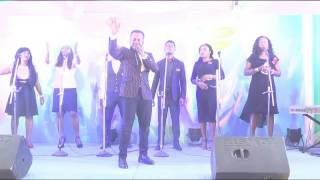 Prosper Ochimana Ministering live at Worship Without Walls Feb 2017