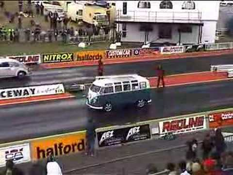 akciddento vw split screen drag bus at national finals
