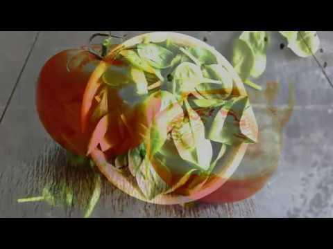 Die festziehende Maske für die Person aus dem Amylum und dem Ei