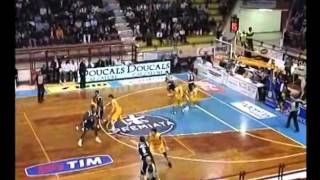 Qyntel Woods with Fortitudo Bologna