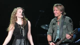 "Keith Urban WElly Cooke And Her Mom Becky ""Somebody Like You"" Live @ The Giant Center"