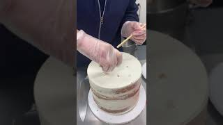 How to Cut a Two Tiered Cake