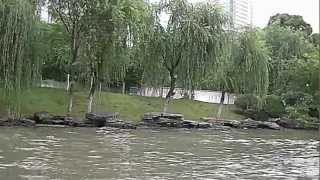 preview picture of video 'Cruising on Grand Canal, Suzhou, China'