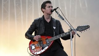 Arctic Monkeys - R U Mine? (Live)