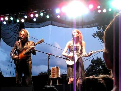 """My First Lover"" - Gillian Welch & David Rawlings - No Depression Festival 7/11/09"