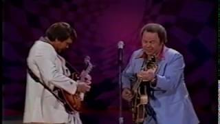 ROY CLARK ~ TOP SPEED GUITAR DEMON PLAYS 18 NOTES PER SECOND! (Rare Clip)