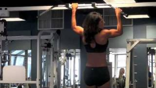 Calgary Fitness Tutorial - Reverse Single Arm Pullup