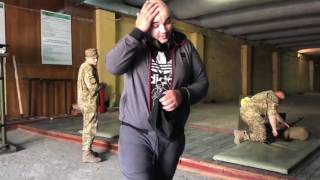 День, вечер и утро успешного блогера Сергея Новика или Мопс стреляет с СВД