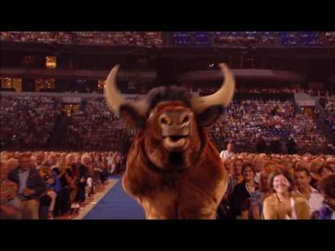 When André Rieu Brings an Ox to the Show!