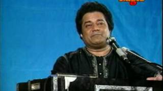 ANUP JALOTA SINGS TAN KE TAMBURE (LIVE) - YouTube