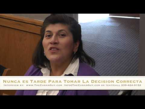 Hispanic First Generation College Students - Older college student returning to college (Spanish)