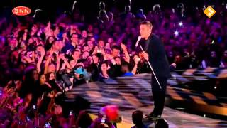 Robbie Williams - Come Undone Live @O2 England