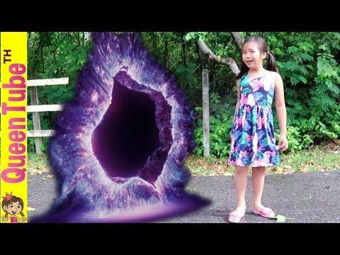 ช่วยด้วย!! น้องควีนหลงทาง ผจญภัย อุโมงค์พิศวง ละครสั้น   Adventure The Mystery Portal SKIT
