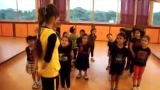 Simple dance Steps for Kids on Song- Tai Tai Phish | Chillar Party | Dance Choreography | Step2Step