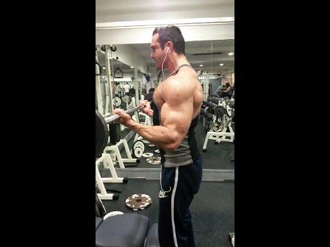 Vidéo arnolda chvartseneggera dans le bodybuilding