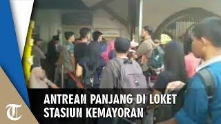 Beli Tiket KA Tujuan Cikampek, Antrean Mengular di Stasiun Kemayoran Jakarta Pusat