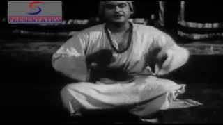 Yaar Tum Shaadi Mat Karna - Kishore Kumar - PARIVAR - Kishore Kumar, Usha Kiran