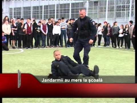 Jandarmii au mers la școală