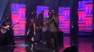 "Jamie Foxx   Drake Perform ""Fall For Your Type"" On Ellen"