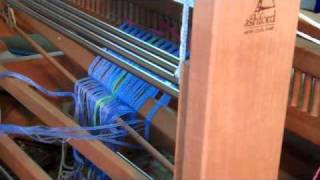"""(Overview) How to weave on a *hand loom*"""