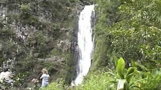preview picture of video 'Hiking Deep into Hālawa Valley (Molokai, Hawaii)'