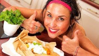 Смотреть онлайн Вкуснейший фитнес-десерт из фруктов и творога