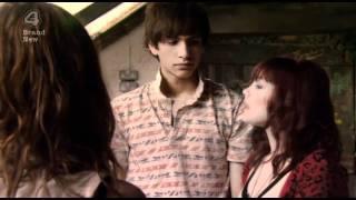 Extrait #1 - Effy surprend Katie et Freddie (VO)