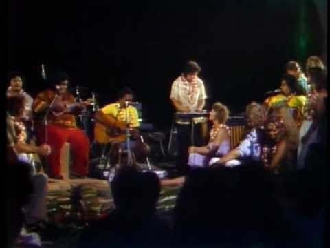 """My Flower"" Makaha Sons of Ni'ihau Skippy and Iz on Captain and Tennille show"