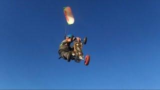 preview picture of video 'Poulpette et Poulpo font une ballade en cerf-volant à roulette'