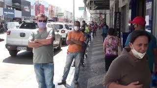 Filas a perder de vista na porta de bancos e lotéricas. Cenas comuns em Patos de Minas