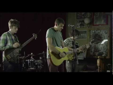 Muscles and Skin- Mike Medved and the Redcoats- Live at the Duck & Drake- Leeds